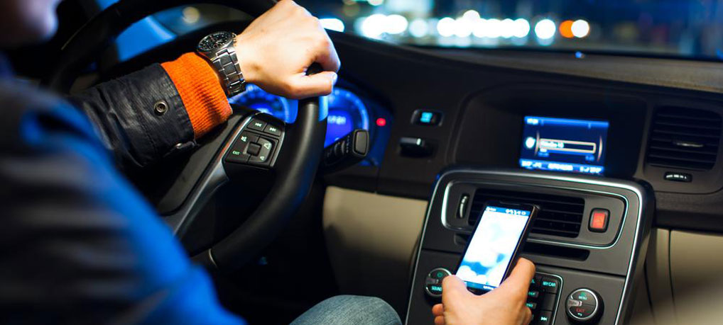 driving-texting